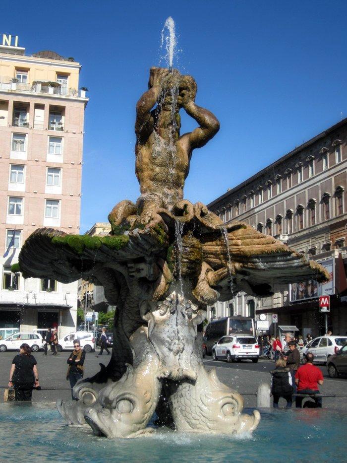 barberini fontana del tritone 4
