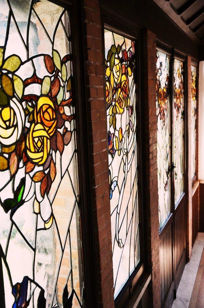 Le vetrate della casina delle civette