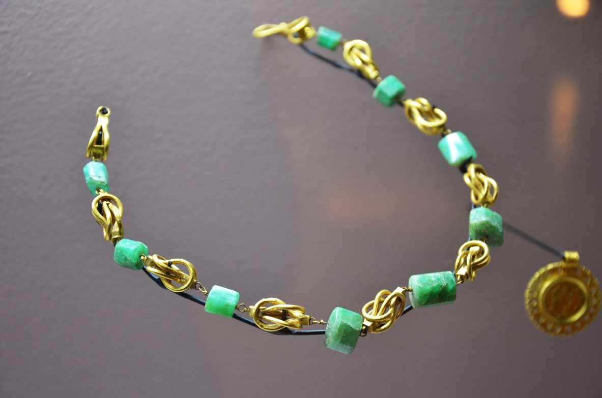 antica collana romana
