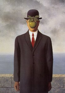 uomo con mela