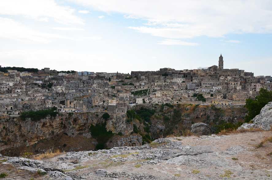vista della città di Matera dal parco della Murgia