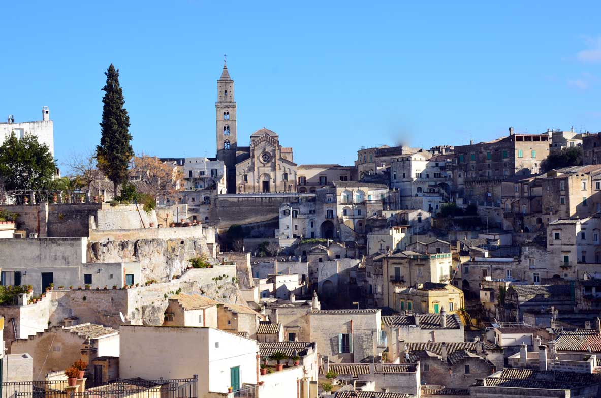 vista dei sassi di Matera dal belvedere di piazza vittorio veneto