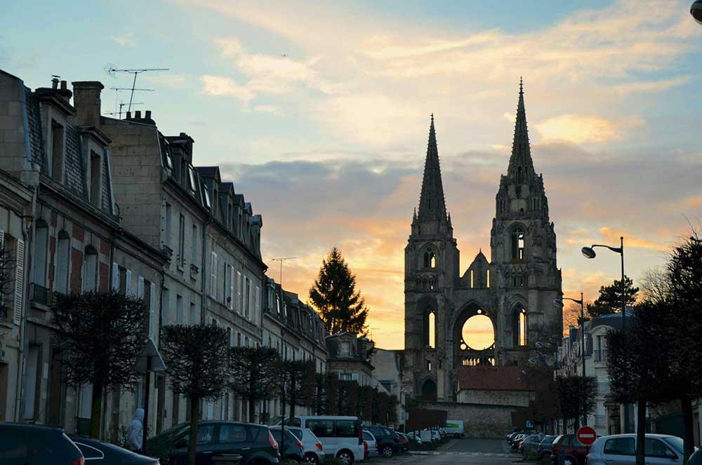 soisson-abbazia-da-lontano-1