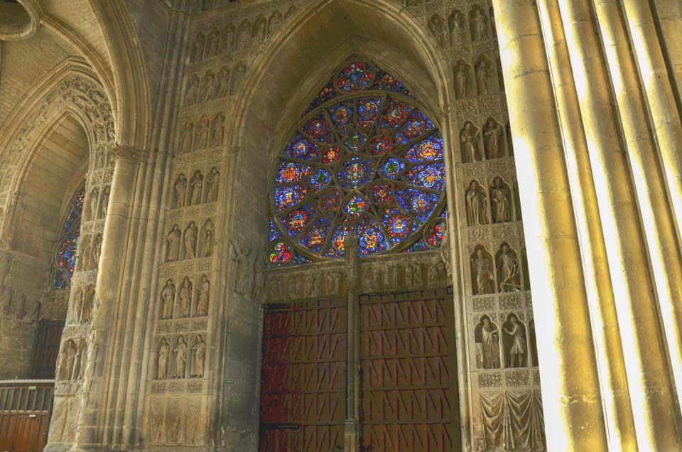cosa vedere a reims in un giorno cattedrale interno