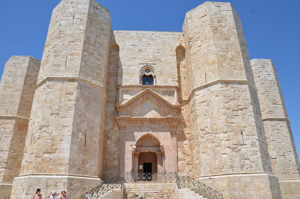 castel del monte ingresso