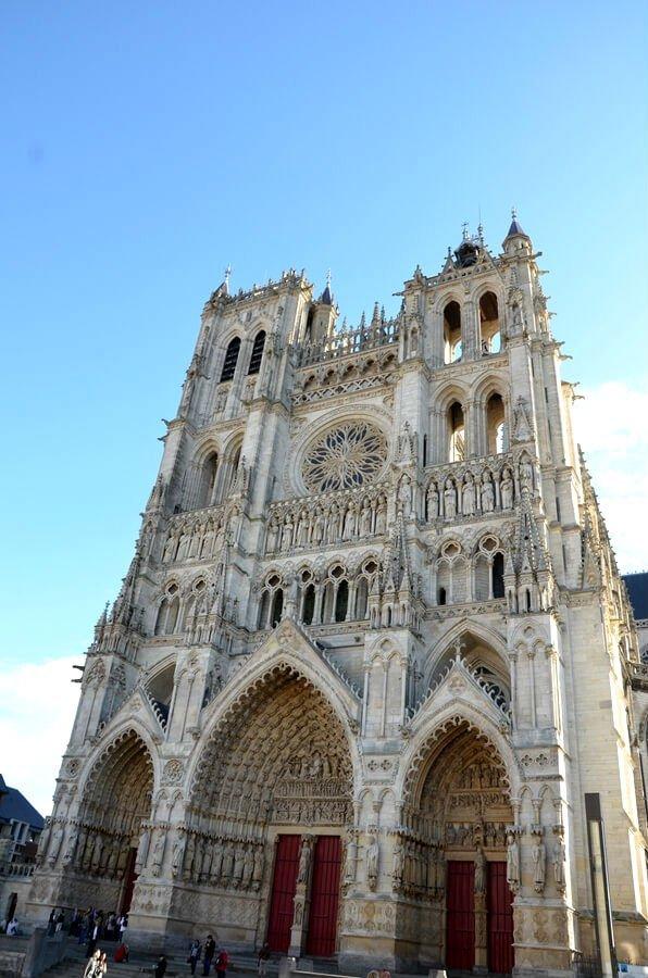 facciata della cattedrale di amiens