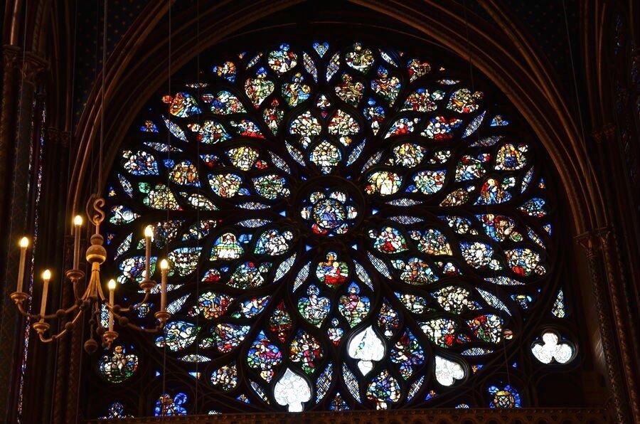 rosone all'interno della cappella di Luigi il Santo