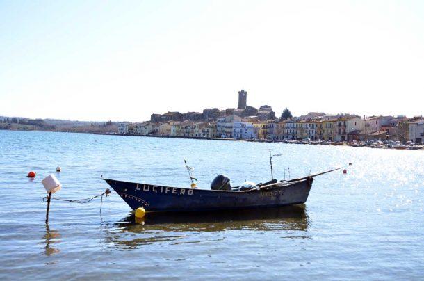 Marta, un borgo di pescatori sul lago di Bolsena