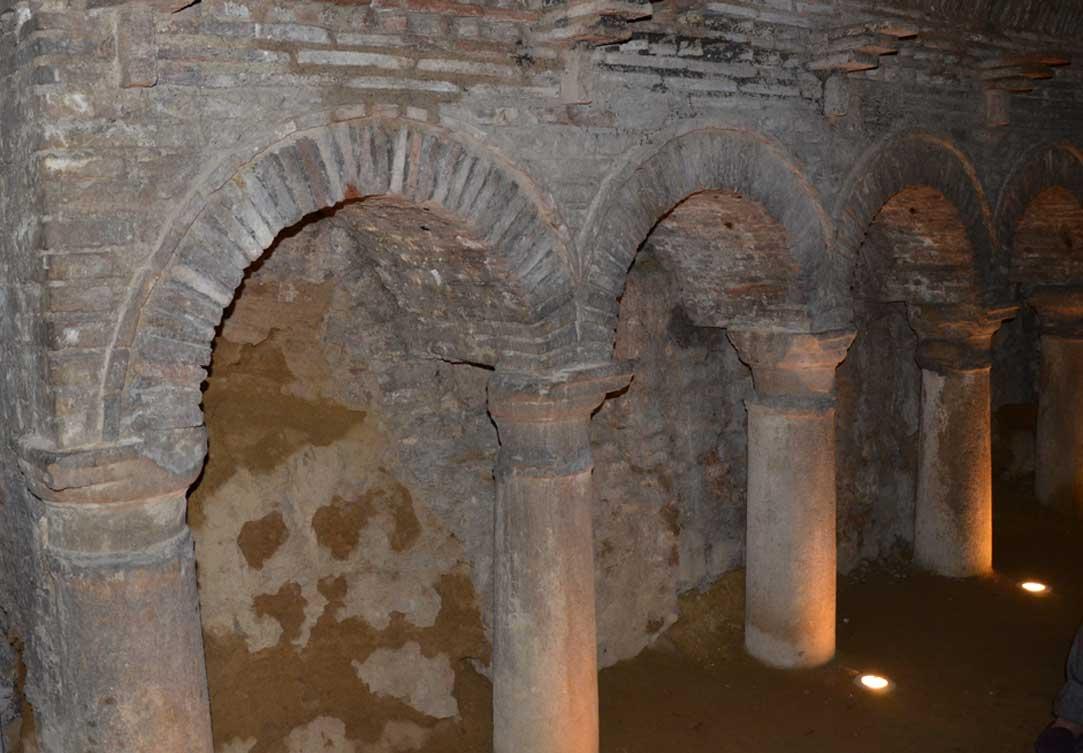 le grotte tufacee