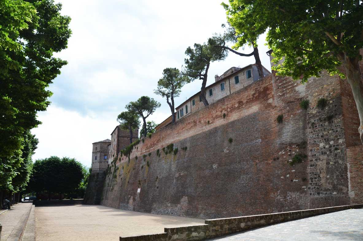 le mura del borgo