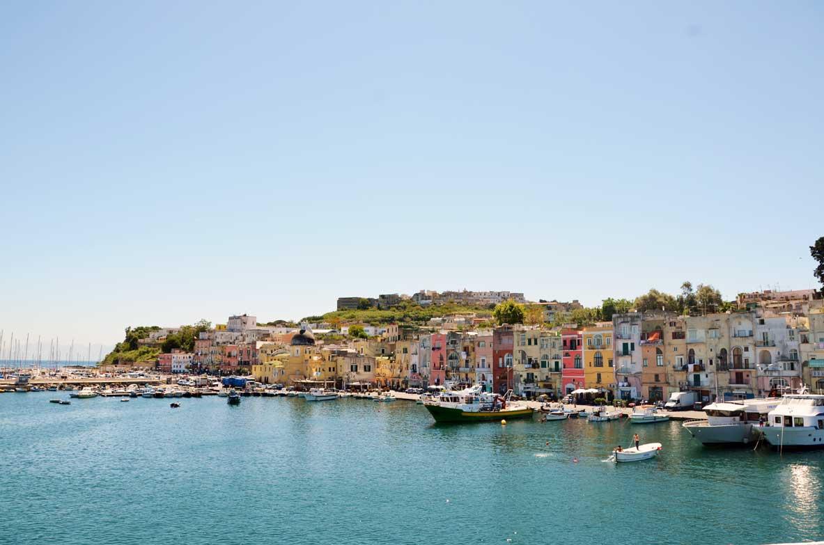 Le case colorate del porto