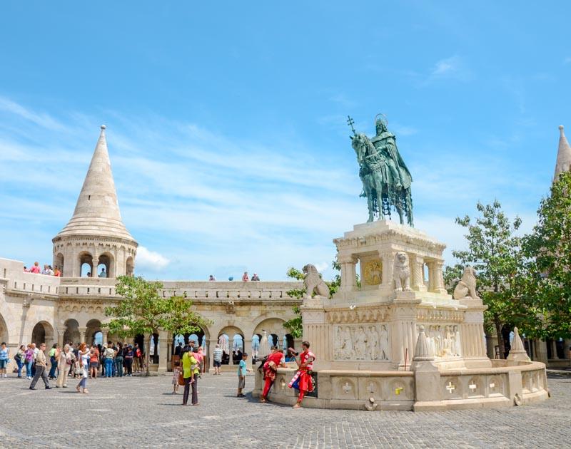 budapest piazza del castello