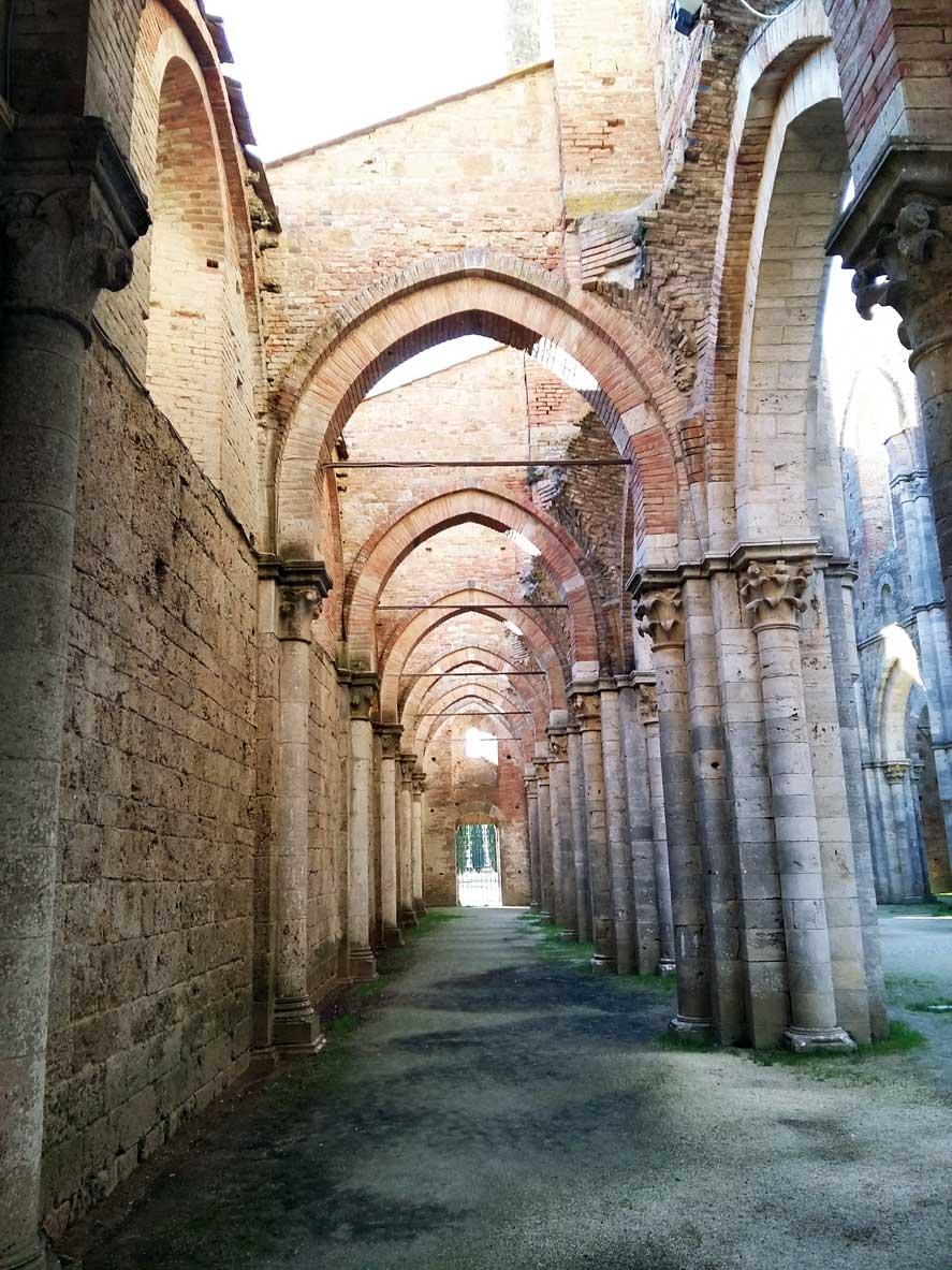 interno di San galgano