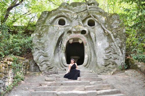 Boschi sacri e massi scolpiti: visita al parco dei mostri di Bomarzo