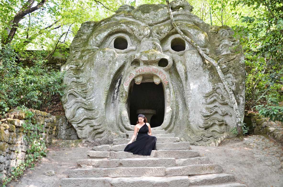 Boschi sacri e massi scolpiti visita al parco dei mostri for Giardino di ninfa cosa vedere
