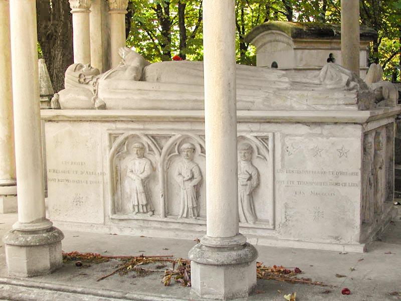 tomb of abelardo and eloisa
