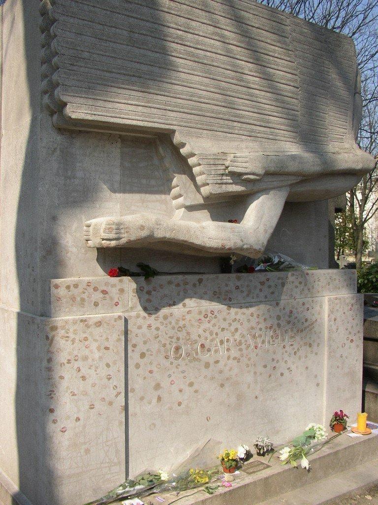 oscar wilde's tomb