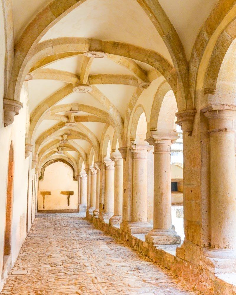 interno del convento do cristo a tomar