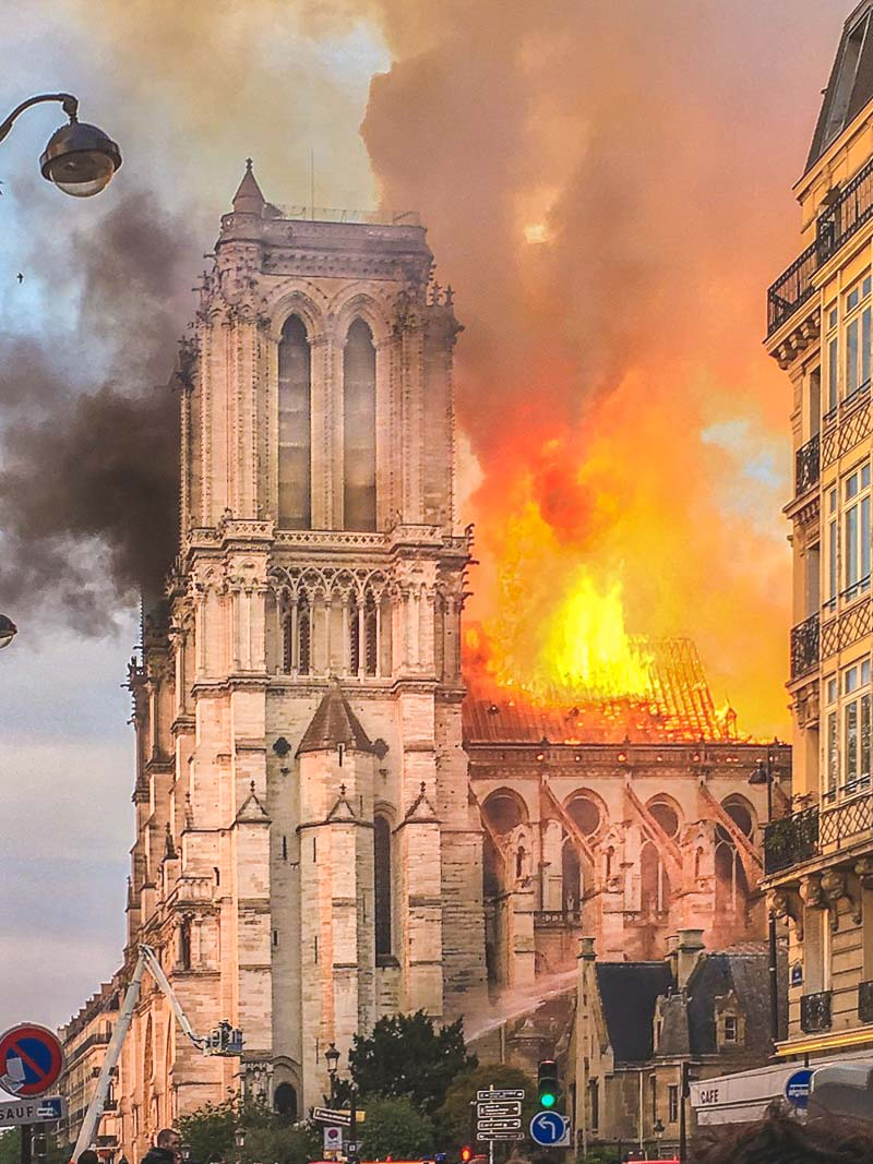 notre dame in fire